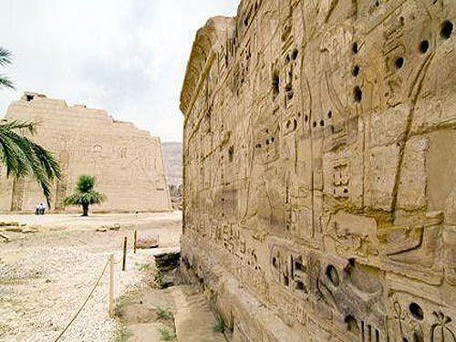 拉美西斯三世御墙