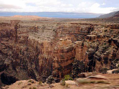 美国亚利桑那州的科罗拉多大峡谷余脉