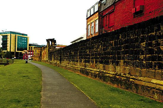 纽卡斯尔旧城墙