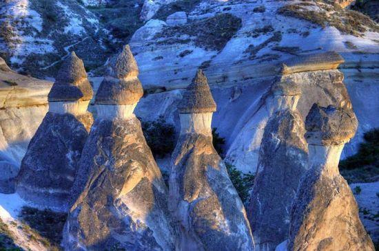 风化的岩石似塔