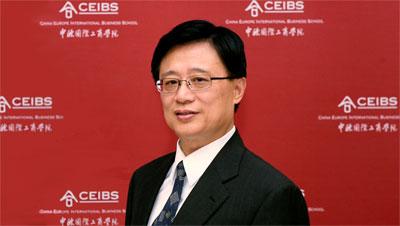 朱晓明:扮演为政府出谋划策的角色
