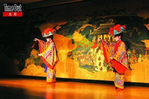 有冲绳特色的古典舞蹈,当年正是为迎接中国使者而创建的。