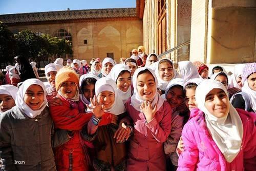 亚兹德的孩子们 摄影:钠鲁格亚