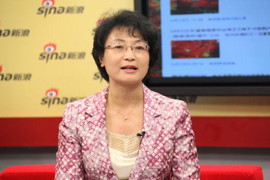 """本溪市副市长温雪琼谈""""中国枫叶之都"""""""