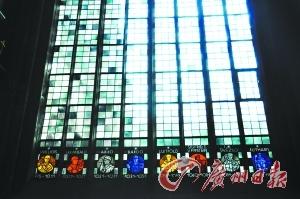美因茨大教堂彩绘玻璃窗,有历任大主教头像。