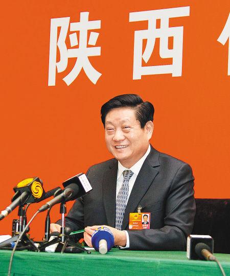 陕西省省长赵正永接受集中采访。《陕西日报》记者 宋红梅摄