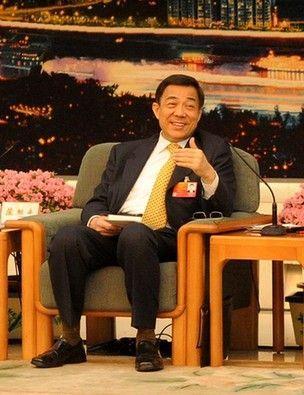 3月9日上午,十一届全国人大五次会议重庆市代表团举行全体会议,本次会议向中外媒体开放。图为薄熙来在回答记者提问。记者 巨建兵 摄