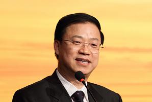 主持人紫金保险常务副总裁 谢跃