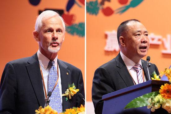 中欧苏理达副院长(左)和全国工商联农业产业商会会长陈泽民先生(右)致辞