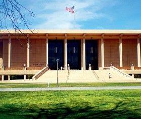 1988 年,鄧文迪入加州大學就讀經濟係