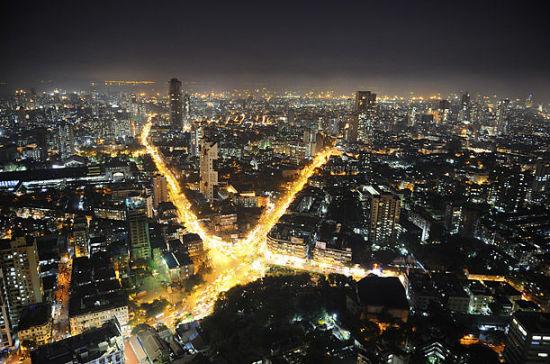 """孟买是印度最大的城市,素有印度""""商业首都""""、""""金融首都""""之称。"""