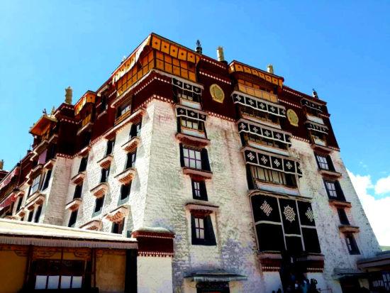 百家网络媒体西藏行:旅游资源独有 人文不可复制