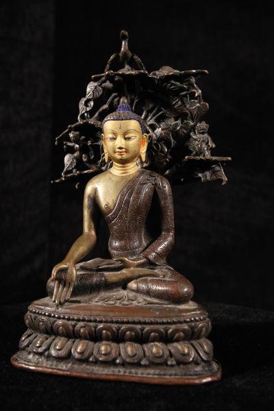 图3 清宝生佛像