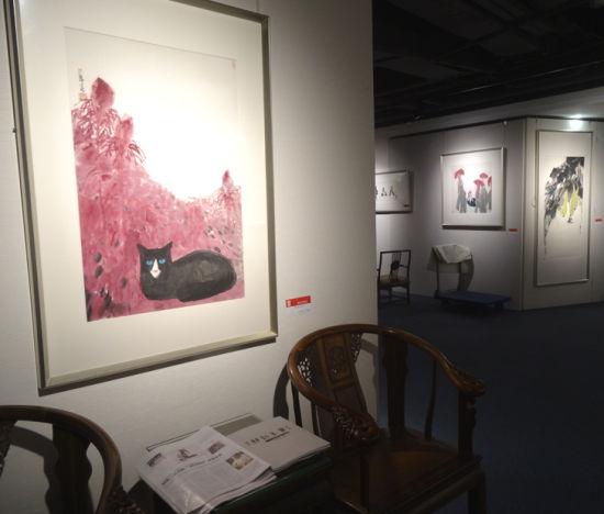 吴龙春画展展厅一角图片