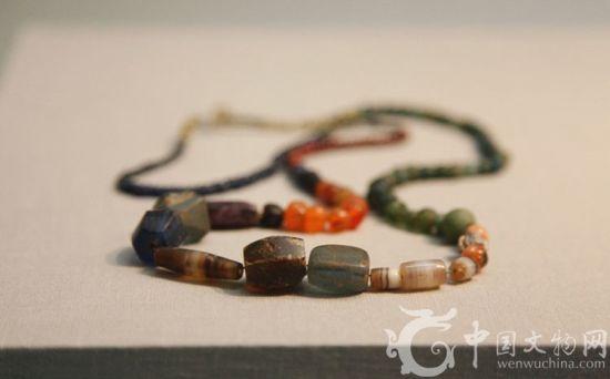 玛瑙琉璃珠饰