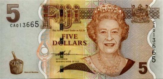 73岁,英女王肖像出现在斐济钞票上。