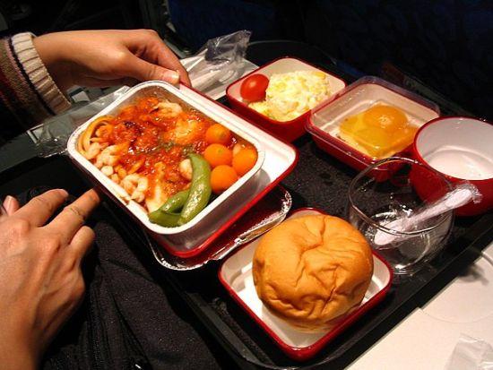 为什么总觉得飞机餐淡而无味?
