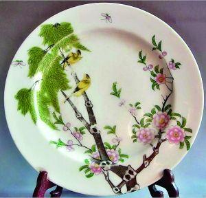 柳树黄莺图瓷盘