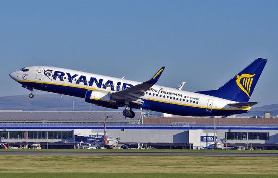 爱尔兰国宝级的廉价航空公司Ryanair