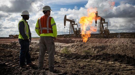 材料�D:美��北�_科他州Williston的一�油井