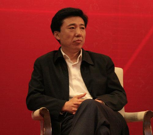 王贵文,中国有史以来最大的股票投机分子。没有之一。后来诞生的很多知名基金经理,但再也没有如此一次豪赌,再也没有遇到如此一次历史关口,再次没有一次如此扭转性胜利。