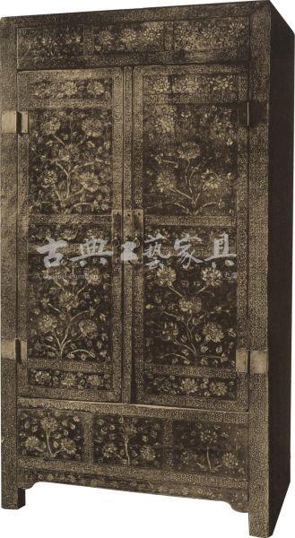 图2-1 木嵌螺钿花卉纹方角柜