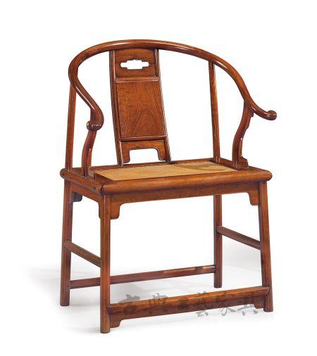 图2 明十七世纪 黄花梨圈椅