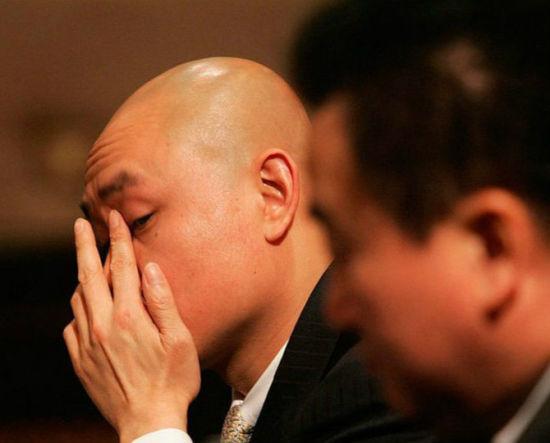 股市震荡后中国首富去哪儿了