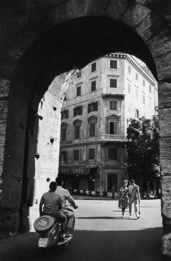 《甘美的生�》中的威尼托街