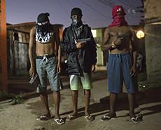 奥运在即 巴西警方突袭贫民窟
