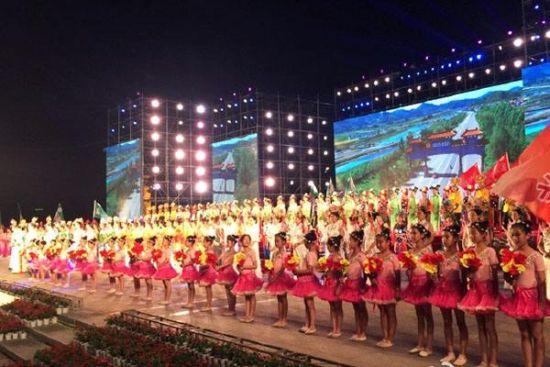 2016中国(抚顺)满族风情国际lifa88老虎机。(资料图片)