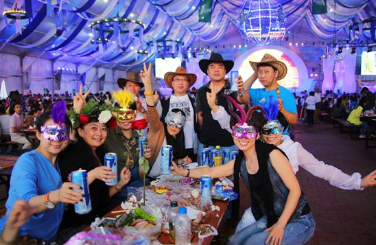 哈尔滨啤酒狂欢