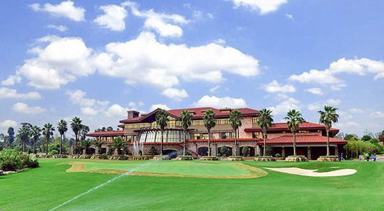 洋沙湖国际旅游度假区高尔夫球场。