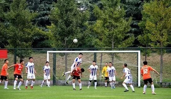 蹴鞠、足球