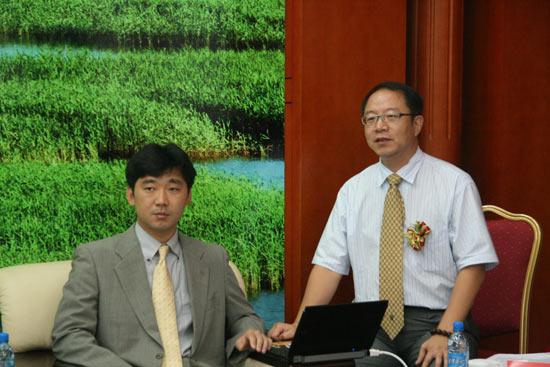 日本专家木村良亮介绍盘锦湿地温泉度假区情况