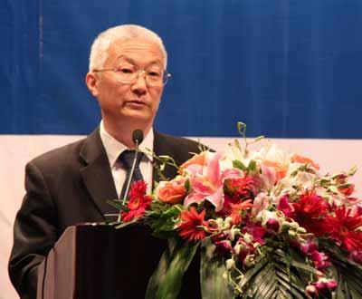 北京大学党委副书记杨河教授致辞