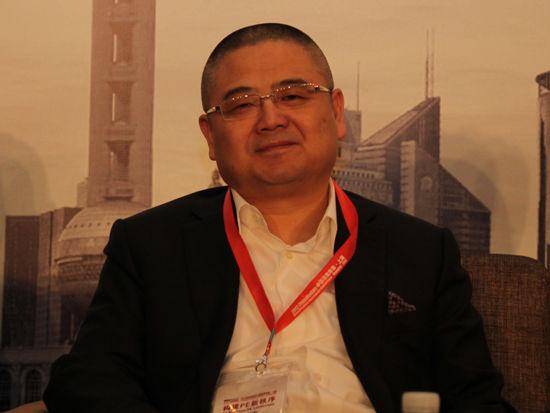 图为永宣投资管理合伙人冯涛发言(图片来源:新浪财经 李靓一摄)