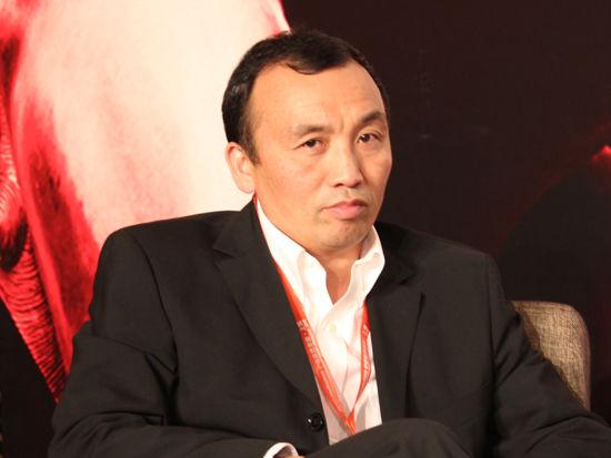 图为弥亚微电子董事长熊泉发言(图片来源:新浪财经 李靓一摄)