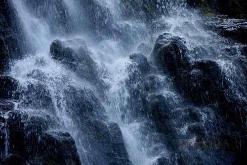 安徽黄山出现冰瀑景观(组图)