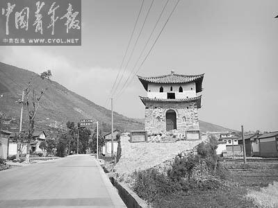 云南大理为修公路拆毁唐代古城墙(组图)