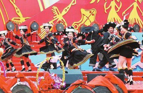 东兰成功举办国际铜鼓文化旅游节
