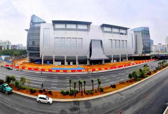 柳州广场路打通 显现现代都市新面貌(图)
