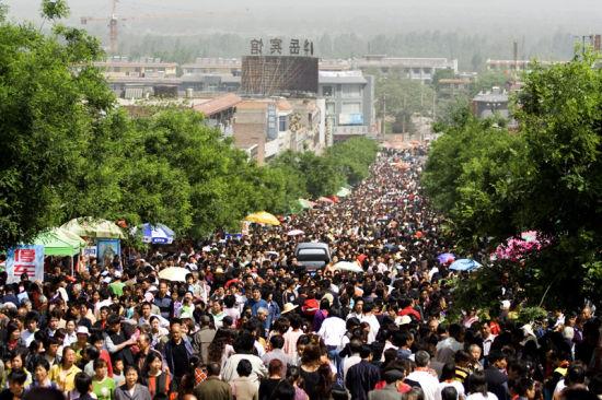 华山庙会:颇有影响的综合性旅游文化庙会
