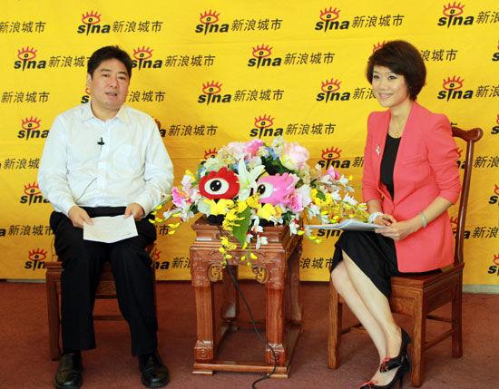 新浪专访渭南市政府副秘书长、华山景区管委会主任霍文军