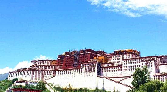 百家网络媒体西藏行:世界屋脊欲打造互联中国梦