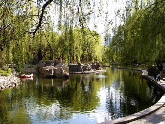 呼和浩特满都海公园:富含强烈民族特色