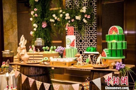 北京大兴西瓜节创意美食大赛举办 各种花式吃法轮番登场
