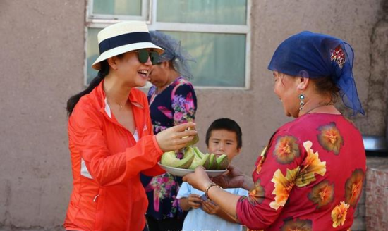新疆巴楚:维吾尔族村民热情好客
