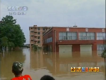 目击江西大水18万多人被洪水围困