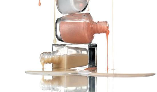 雅芳洁容霜被抽检出含有致癌物苯酚。(图片来源:中国经济网)